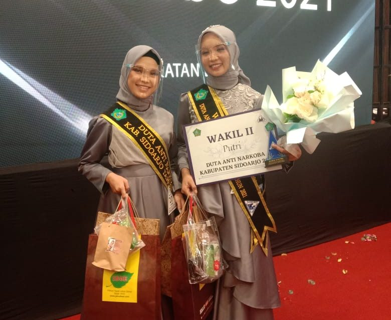Selamat! Ananda Nur Aisyah Putri Adzanti dan Aurora Aubin Juara Lomba